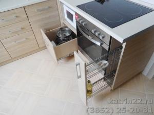 Кухня : ул. Эмилии Алексеевой, 63